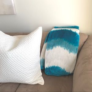Blue Ombre Throw Blanket